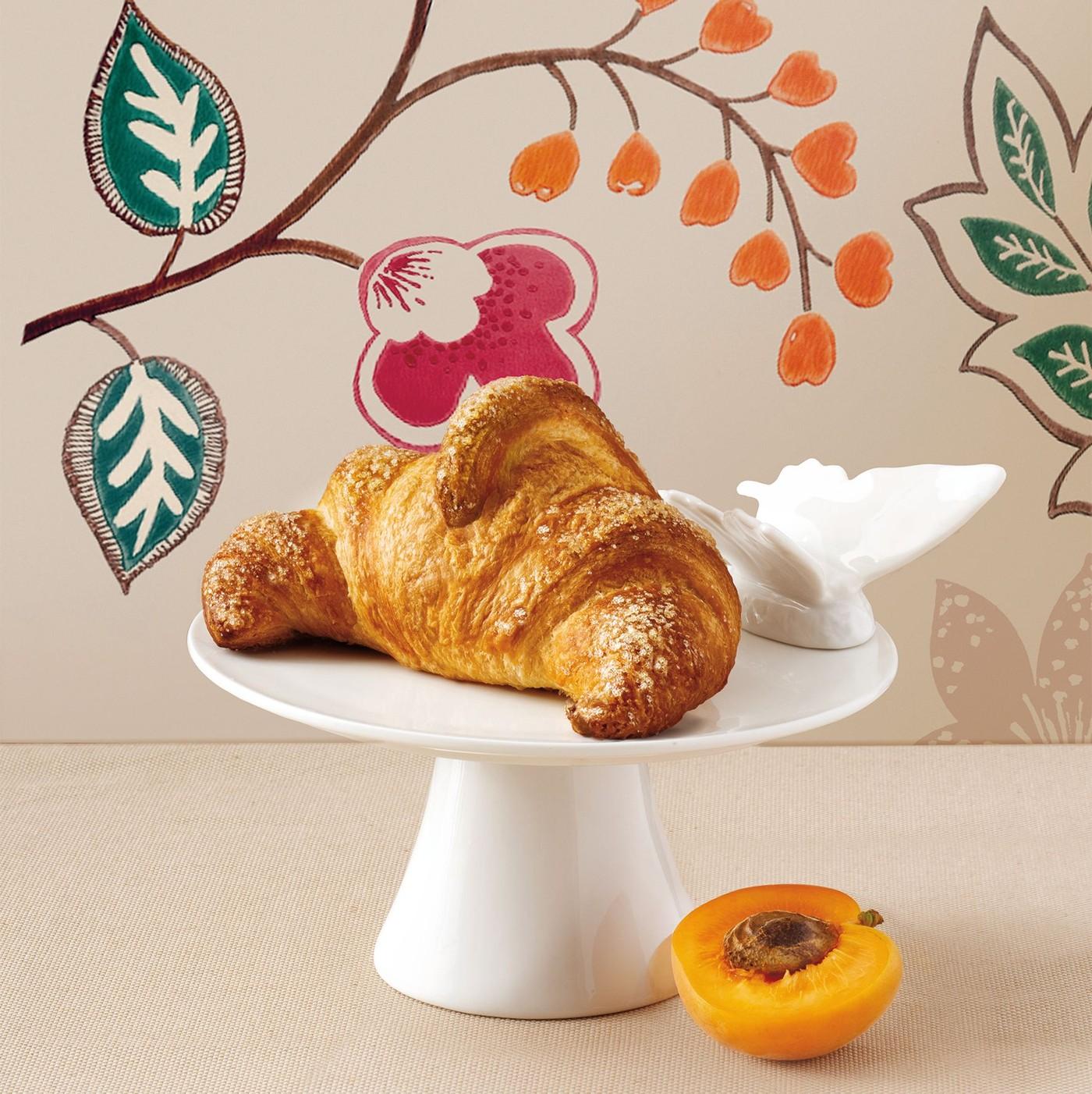 receta de Croissant extra curvo con mermelada de albaricoque