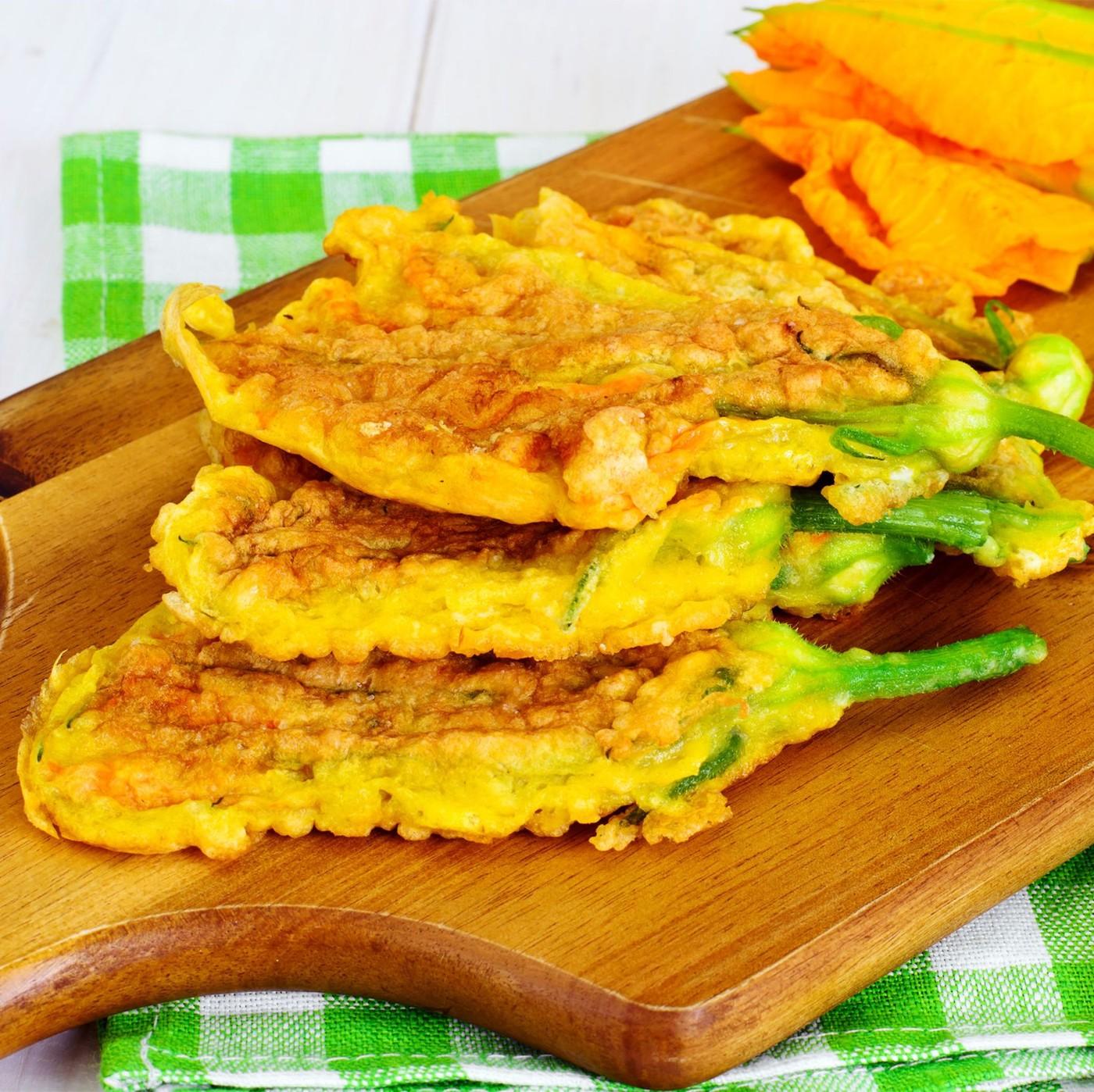 receta de Flores de calabaza empanadas y rellenas de mozzarella y anchoas