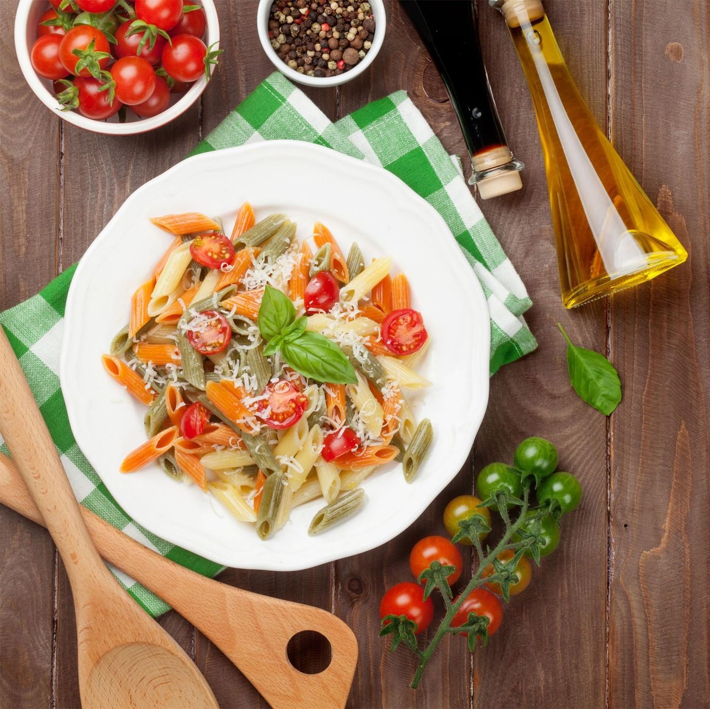 receta de Spaghettata Con Tomate Y Albahaca
