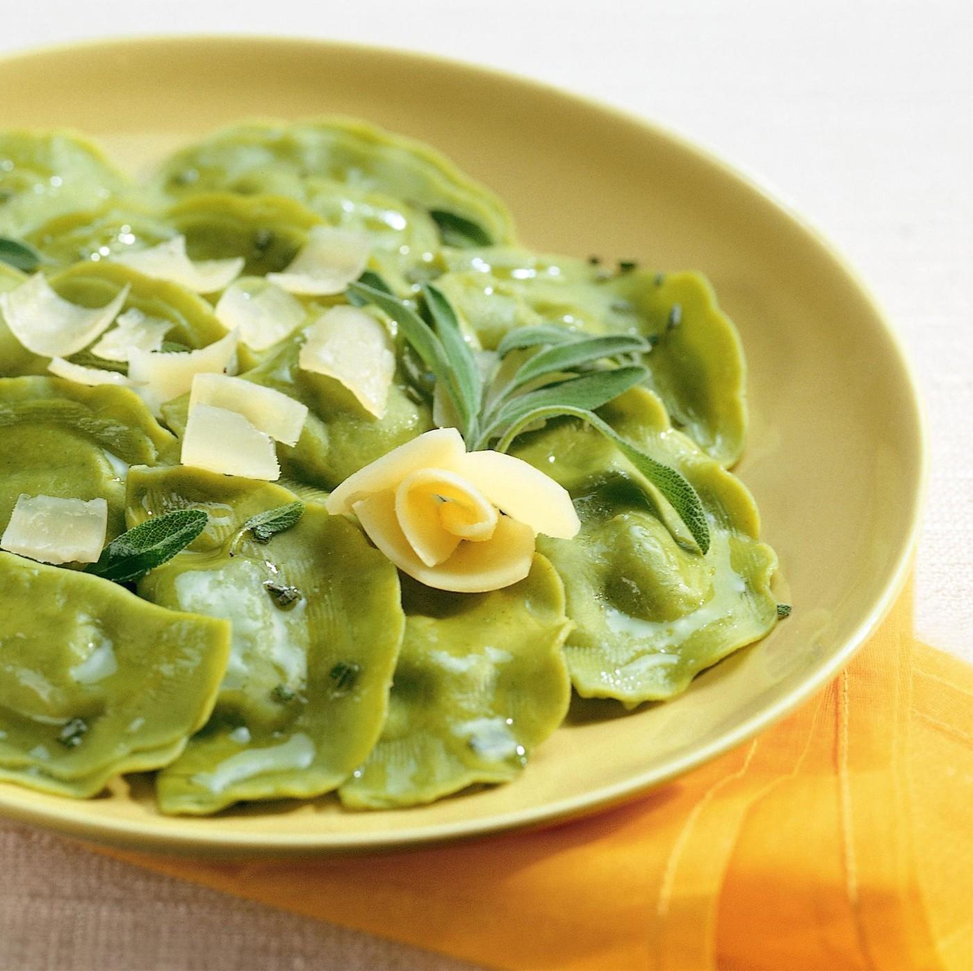 receta de Tortelli Mezzaluna Verde Con Ricotta Y Espinacas