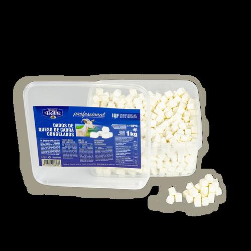 Dados de queso de cabra fresco
